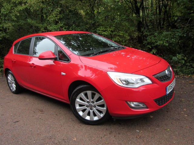 used Vauxhall Astra EXCLUSIV CDTI in guildford-surrey