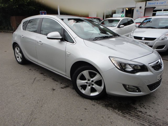 used Vauxhall Astra SRI in surrey