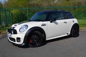 used MINI Hatch JOHN COOPER WORKS * OVER £6,000 OF EXTRAS * in Mid-Glamorgan