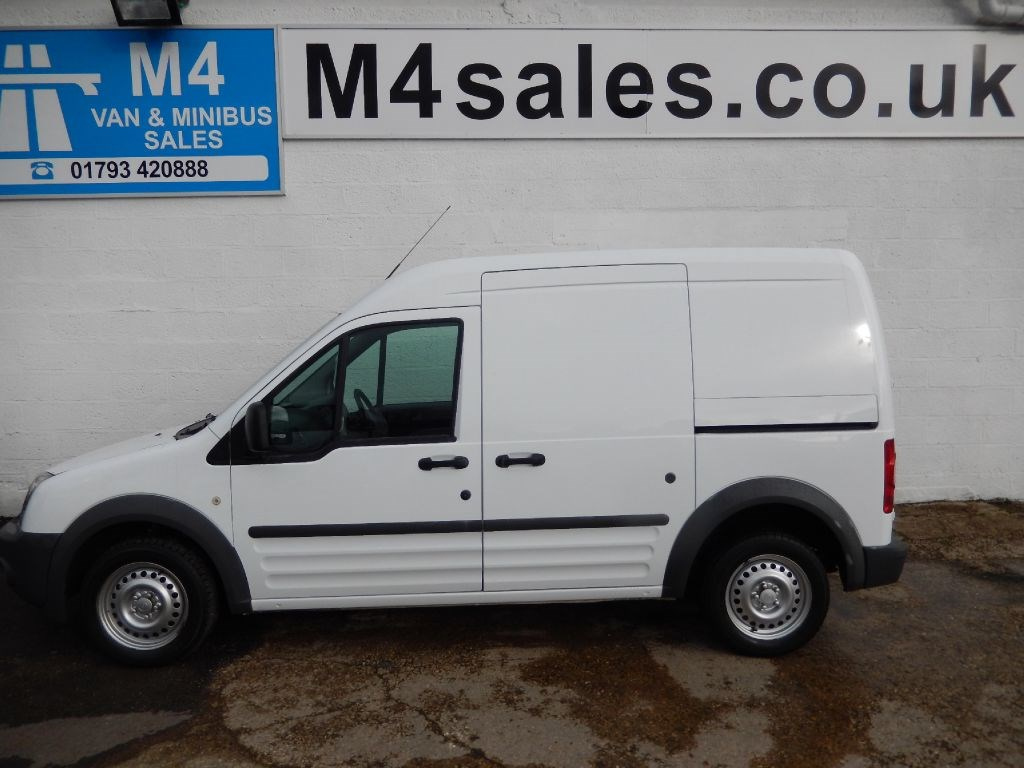 used white 2009 ford transit connect wiltshire. Black Bedroom Furniture Sets. Home Design Ideas