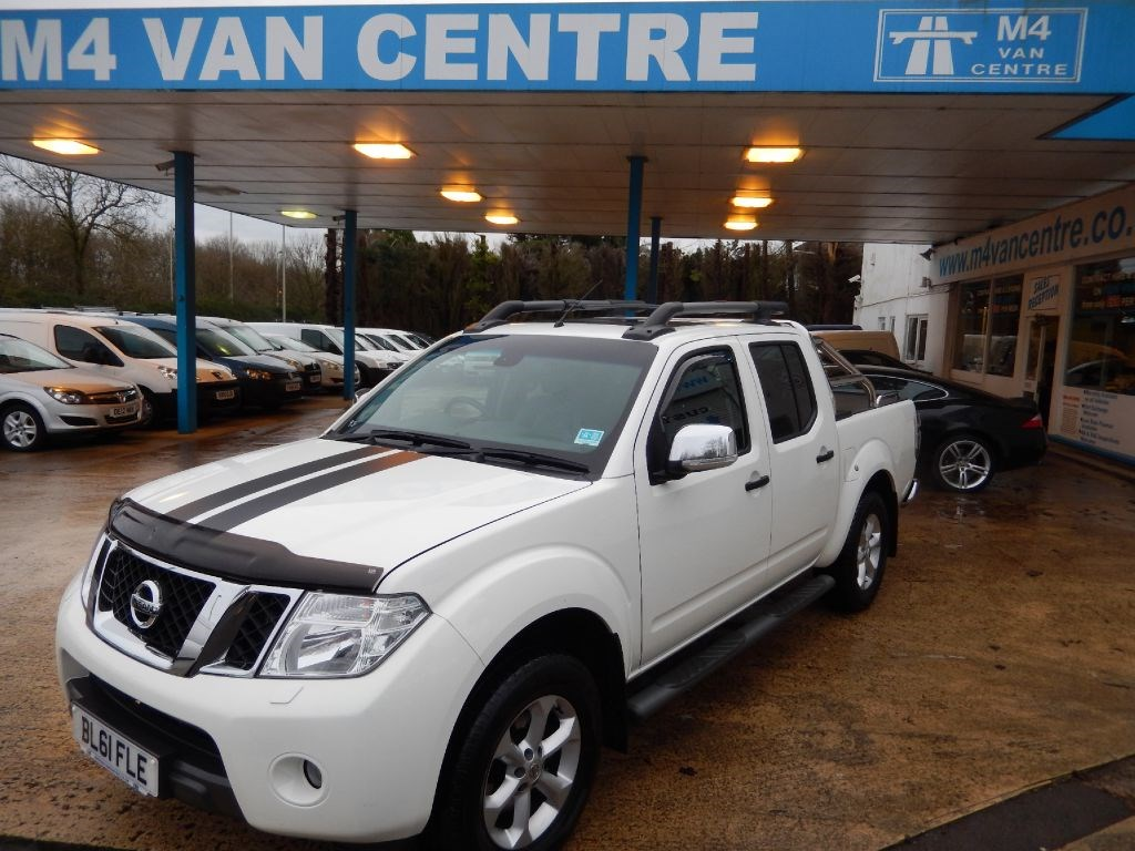 used white 2012 nissan navara for 14 995 vat wiltshire. Black Bedroom Furniture Sets. Home Design Ideas