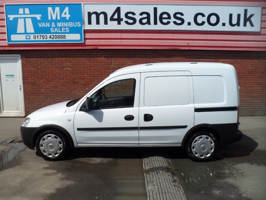 used white vauxhall combo for sale wiltshire. Black Bedroom Furniture Sets. Home Design Ideas