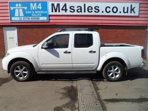 used Nissan Navara DCI TEKNA 4X4 SHR DCB PICK UP 190PS in wiltshire