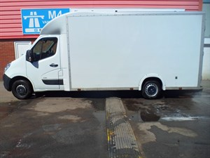 used Vauxhall Movano F3500 LOW LOADER LUTON CDTI 125PS in wiltshire