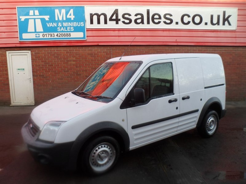used Ford Transit Connect T220 L/R SWB VAN 90PS in wiltshire