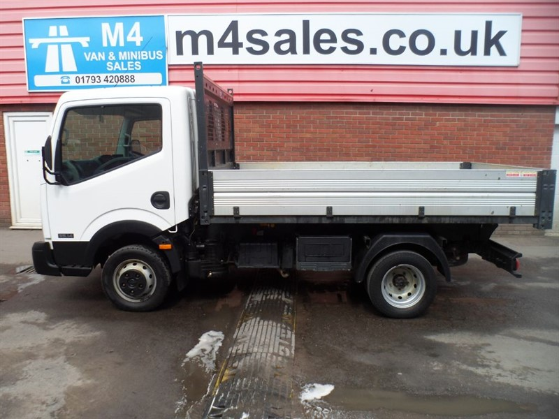 used Nissan Cabstar 35.14 S/C SWB TIPPER  in wiltshire
