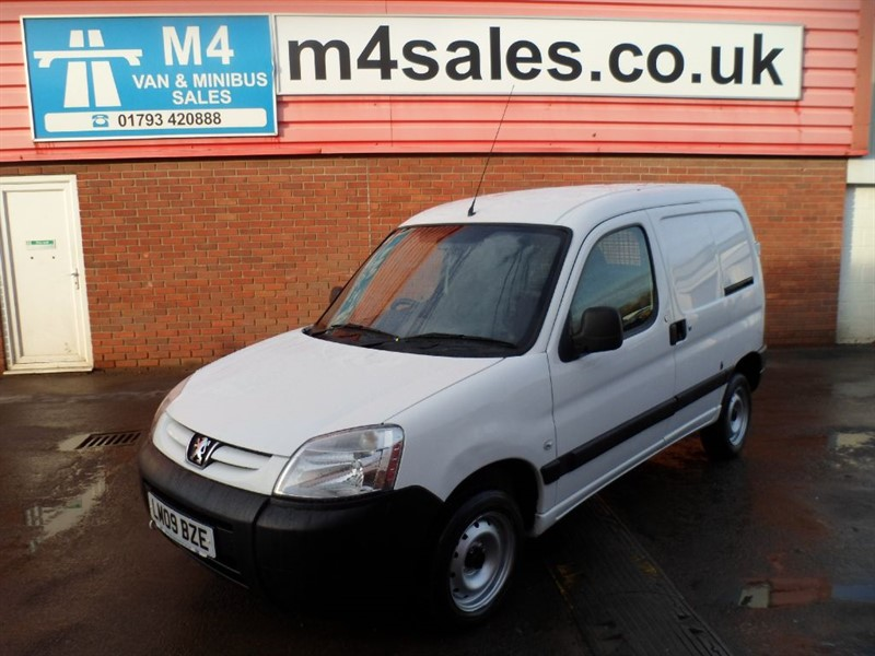 used Peugeot Partner ORIGIN 800 HDI 1.6 WITH A/C 75PS in wiltshire