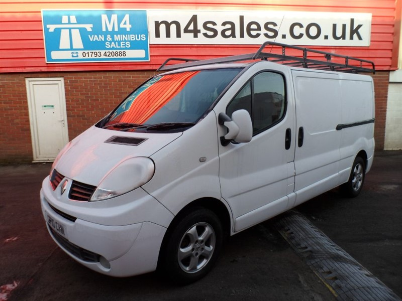 used Renault Trafic LL29 SPORT DCI LWB VAN 115PS A/C in wiltshire