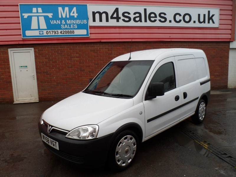 used Vauxhall Combo 1.3 2000 CDTI 75PS in wiltshire