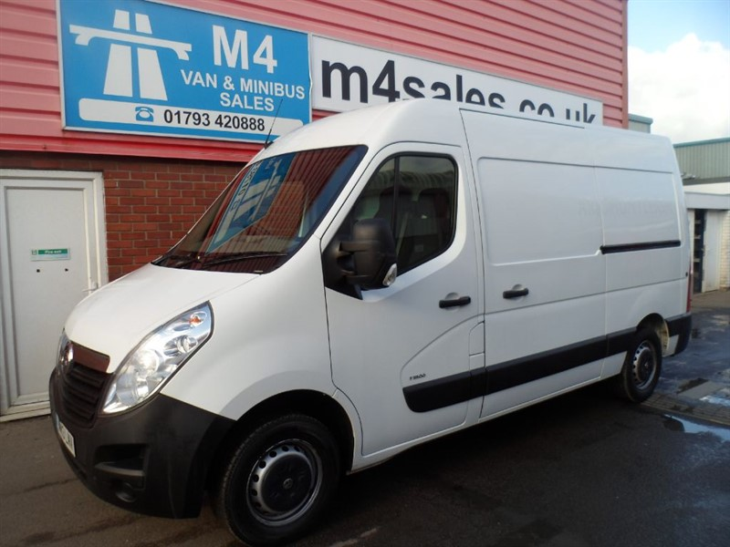 used Vauxhall Movano 3500 L2 H2 CDTI M/R MWB TWIN SLD WITH A/C 125PS in wiltshire
