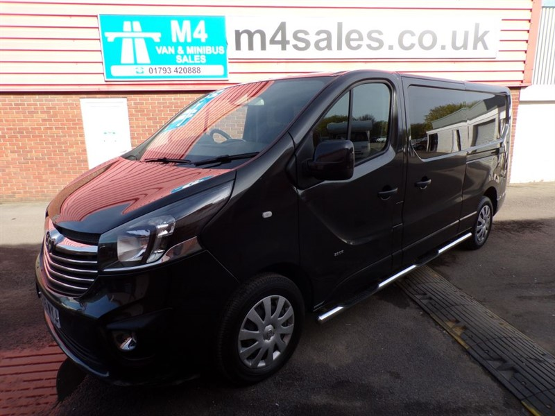 used Vauxhall Vivaro 2900 L2 H1 D/C SPORTIVE WITH A/C 120PS in wiltshire