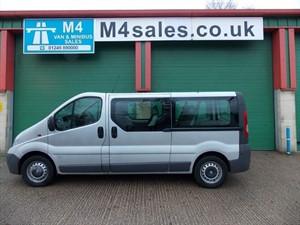 used Vauxhall Vivaro 2900 CDTI LWB 9 Seat Minibus Aircon in wiltshire
