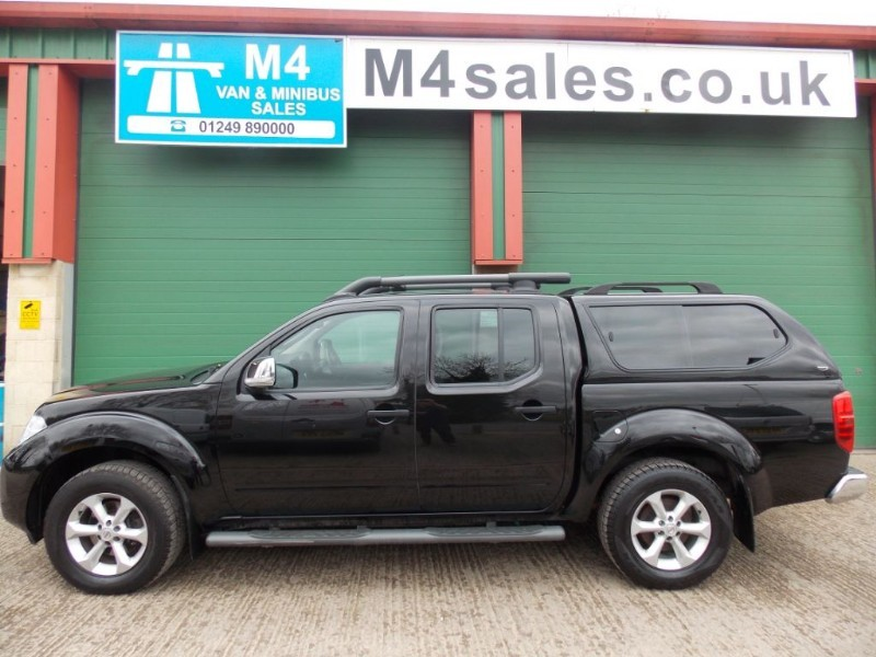 used Nissan Navara TEKNA 4x4 Sat Nav Leather Reversing Camera Rear Top  in wiltshire