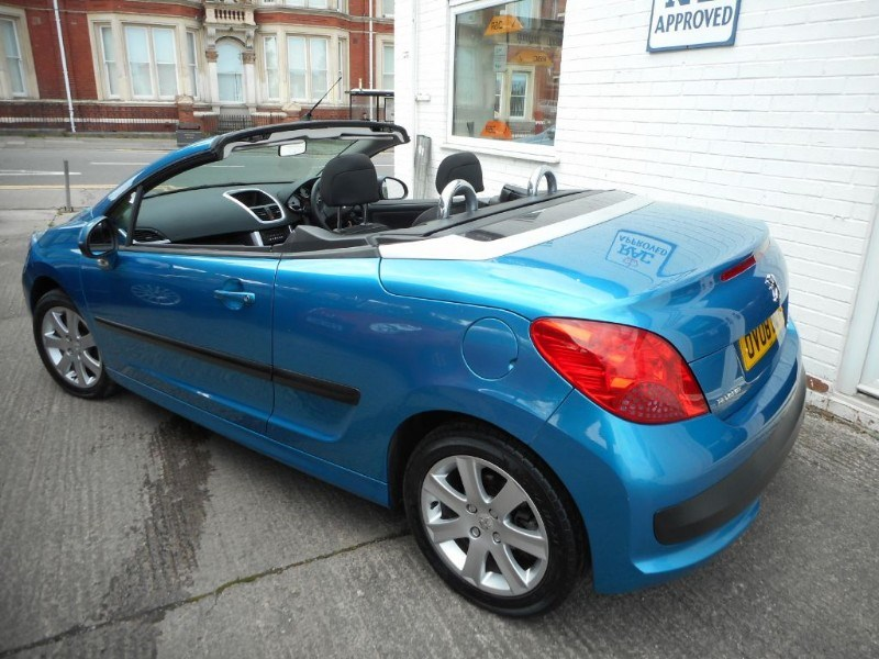 peugeot 207 sport coupe cabriolet for sale in glamorgan. Black Bedroom Furniture Sets. Home Design Ideas