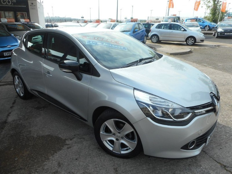 used Renault Clio DYNAMIQUE MEDIANAV ENERGY DCI S/S in glamorgan
