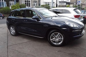 used Porsche Cayenne S HYBRID TIPTRONIC S in sheffield-south-yorkshire