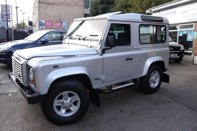 Click here for more details about this Land Rover Defender 90 TD5 XS STATION WAGON