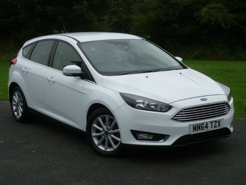 used Ford Focus TITANIUM NAVIGATION AUTO POWERSHIFT WITH 2 YEARS FREE SERVICING* in wirral-cheshire