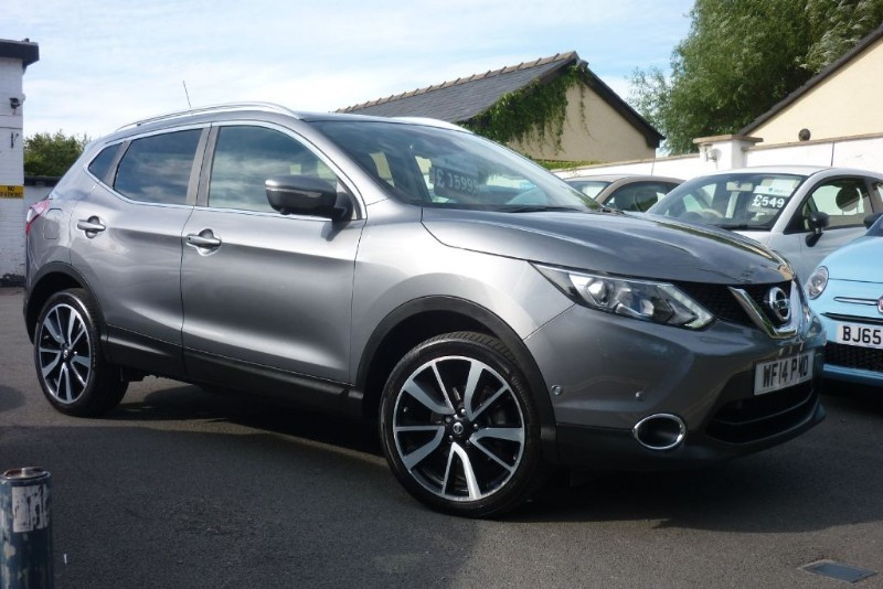 used Nissan Qashqai DCI TEKNA [NEW SHAPE] WITH 2 YEARS FREE SERVICING* in wirral-cheshire