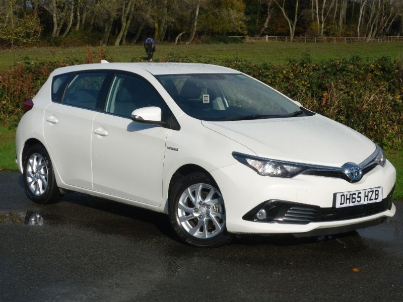 used Toyota Auris  ICON HYBRID AUTO CVT WITH 2 YEAR FREE SERVICING* in wirral-cheshire