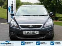 Used Ford Focus Zetec 5dr Auto