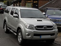 Used Toyota Hilux 3.0 D4D Invincible Doublecab Auto - ONE OWNER - NO VAT TO PAY