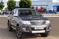 Used Toyota Hilux D-4D Invincible X Crewcab Pickup