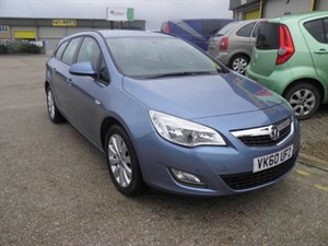 used Vauxhall Astra EXCLUSIV CDTI ECOFLEX in ely-cambridgeshire