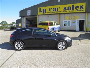 used Vauxhall Astra GTC SRI S/S in ely-cambridgeshire