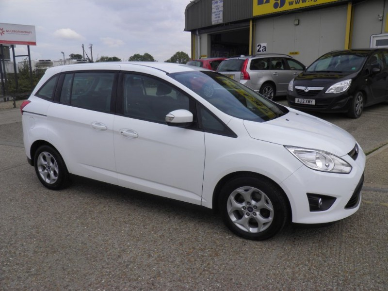 Car of the week - Ford C-Max GRAND ZETEC TDCI - Only £9,995