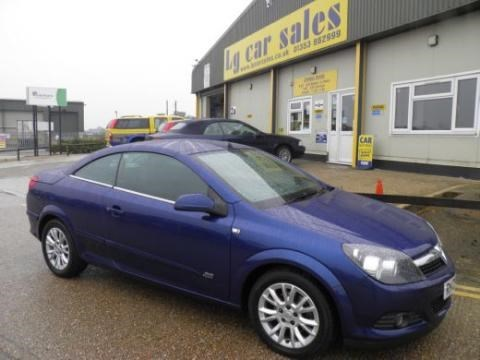 Car of the week - Vauxhall Astra Twin Top Sport - Only £6,495