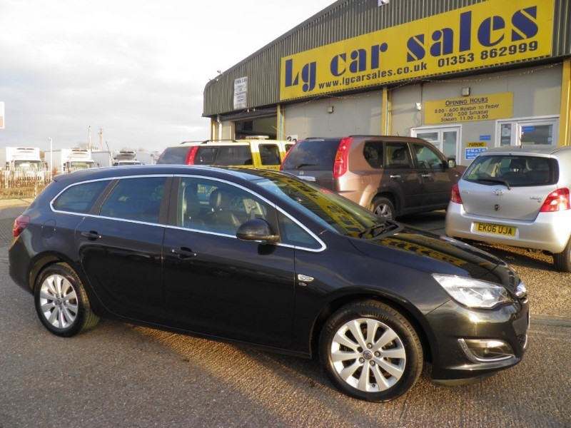 used Vauxhall Astra ELITE CDTI S/S in ely-cambridgeshire