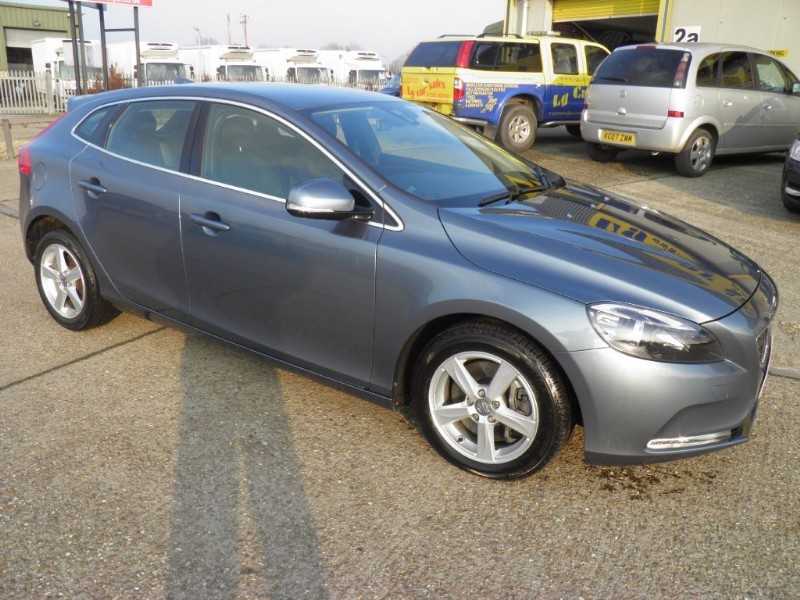 used Volvo V40 D3 SE in ely-cambridgeshire