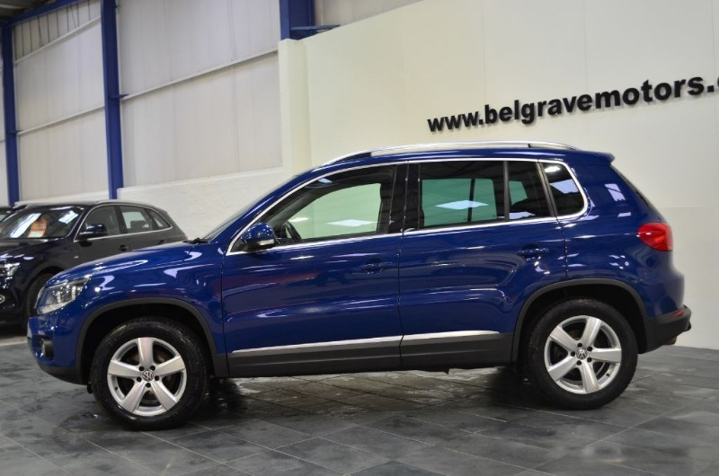 volkswagen tiguan escape tdi bluemotion tech 4motion 4x4. Black Bedroom Furniture Sets. Home Design Ideas