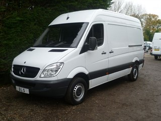 Mercedes-Benz Sprinter 313 CDI MWB WITH BLUETOOTH AND CRUISE