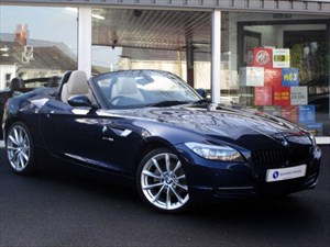 "used BMW Z4 sDrive23i Highline Edition - 19"" ALLOYS-LEATHER-BLUETOOTH-VERY LOW MILEAGE in plymouth-devon"