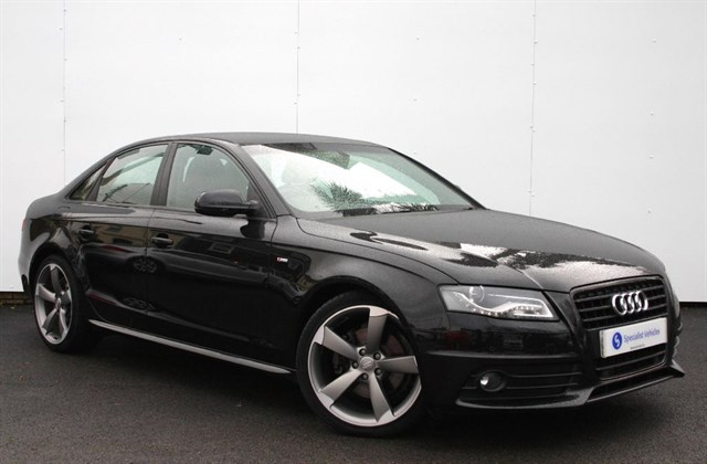 "used Audi A4 2.0 Tdi S Line Black Edition - 19"" ALLOYS - 1 OWNER - FULL AUDI HISTORY in plymouth-devon"