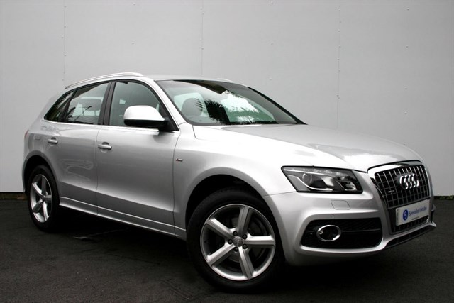 "used Audi Q5 2.0 Tdi QUATTRO S Line - 19"" ALLOYS - SAT NAV - FULL LEATHER in plymouth-devon"