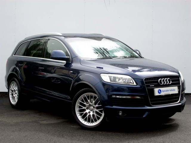 "used Audi Q7 3.0 Tdi Quattro S-Line (240) - 20""ALLOYS - SAT NAV - HALF LEATHER - 7 SEATS in plymouth-devon"