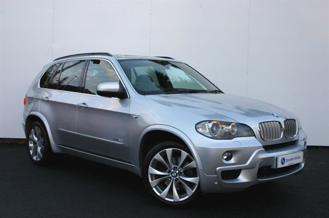 "used BMW X5 xDRIVE35d M Sport - 20"" ALLOYS - SAT NAV - PANO ROOF - FSH in plymouth-devon"