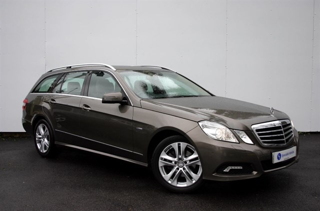 "used Mercedes E220 CDI BlueEFFICIENCY Avantgarde -SAT NAV-17"" ALLOYS-LOW MILEAGE-FMBSH-1 OWNER in plymouth-devon"