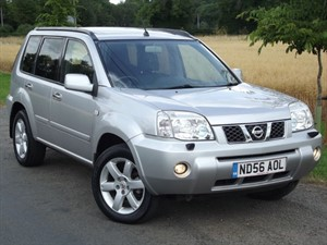 used Nissan X-Trail AVENTURA DCi - BIG PANORAMIC SUNROOF - SAT NAV - HEATED LEATHER in oxfordshire