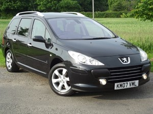 used Peugeot 307 SW SE - PANORAMIC ROOF - CLIMATE CONTROL - 6 SEATS in oxfordshire