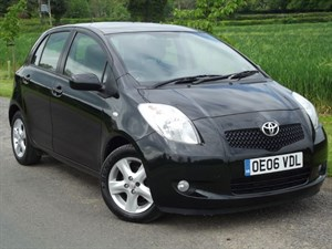 used Toyota Yaris T SPIRIT VVT-I MM + FULL LEATHER ~ VERY LOW MILES in oxfordshire