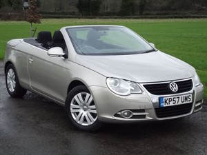 used VW Eos TDI Sport with GLASS ROOF - LADY OWNER - VW HISTORY in oxfordshire