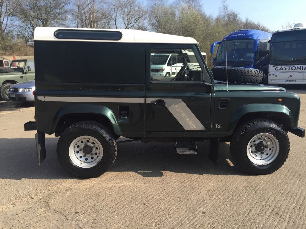 used land rover defender 90 300tdi county hard top for. Black Bedroom Furniture Sets. Home Design Ideas