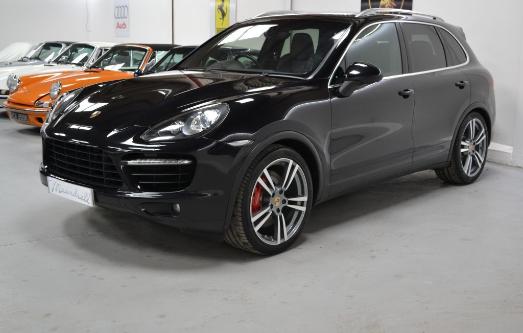 porsche cayenne v8 turbo tiptronic s panoramic roof reverse camera power tailgate maundrell. Black Bedroom Furniture Sets. Home Design Ideas