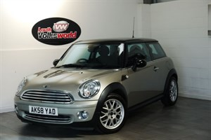 used MINI Hatch COOPER 1.6 CHILLI PACK AIR CON HALF LEATHER INTERIOR in lincolnshire-for-sale