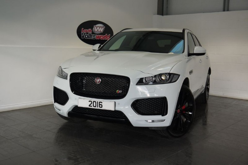 "used Jaguar F-Pace V6 S AWD BLACK PACK 22"" HELIX ALLOYS SPORTS SEATS SERVICE PACK in lincolnshire-for-sale"