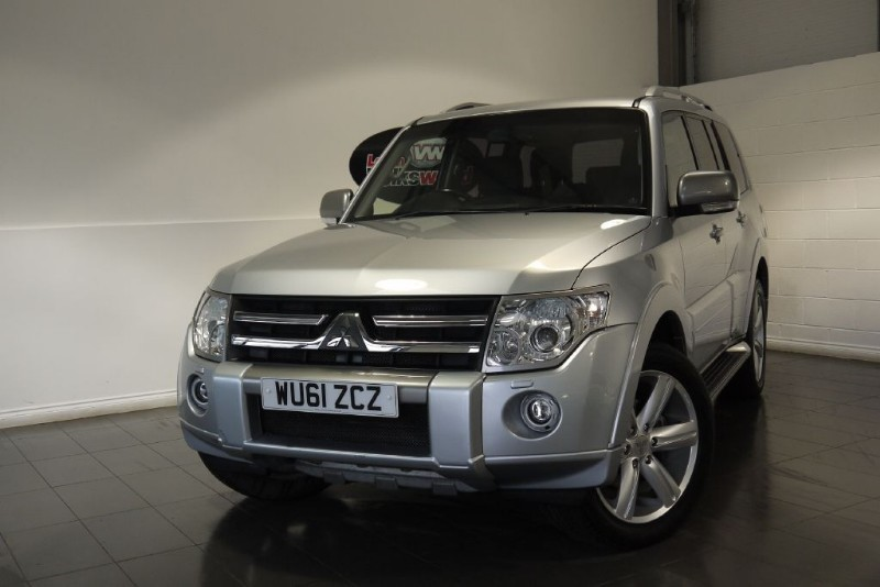 used Mitsubishi Shogun DI-D DIAMOND LWB SAT NAV FULL LEATHER INTERIOR DVD in lincolnshire-for-sale